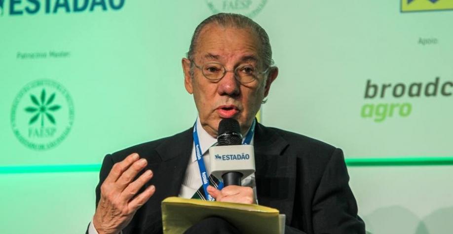 Produzir na Argentina é mais barato, disse Rubens Barbosa no Summit Agronegócio Brasil 2017